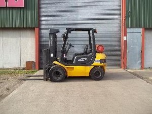 Gas Powered Fork Lift Trucks